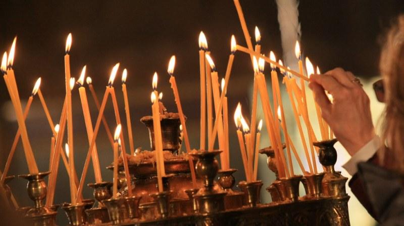 Църквата почита днес свети мъченик Поликарп и преподобни Александър