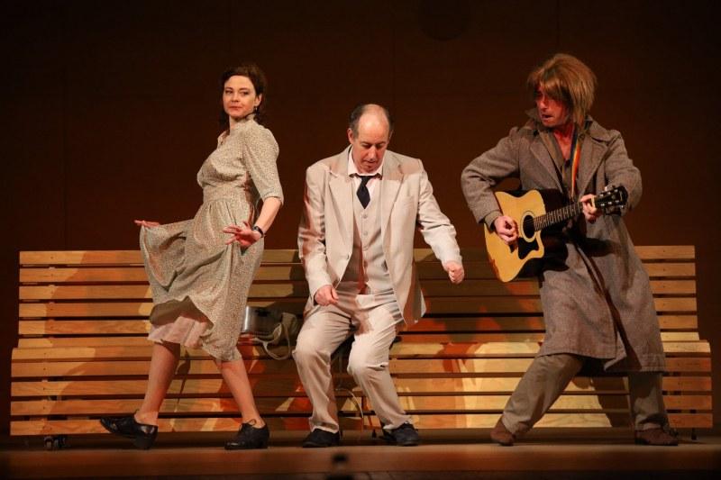 """""""Трета класа"""" - авторският спектакъл на Валентин Танев гостува на сцената в Пловдив"""