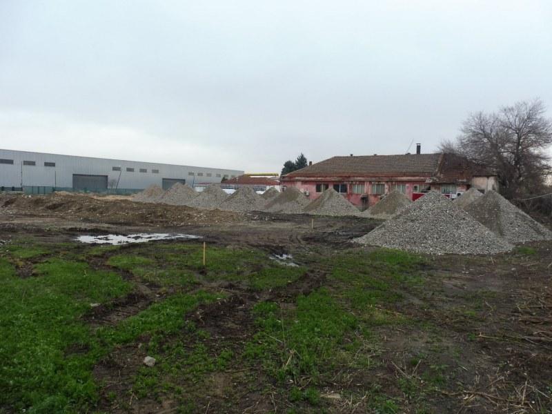 Голям търговски комплекс ще има в Стамболийски, първо отваря хранителен магазин