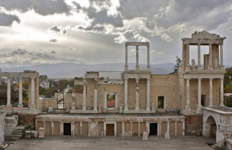 Хладен и с променлива облачност четвъртък в Пловдив