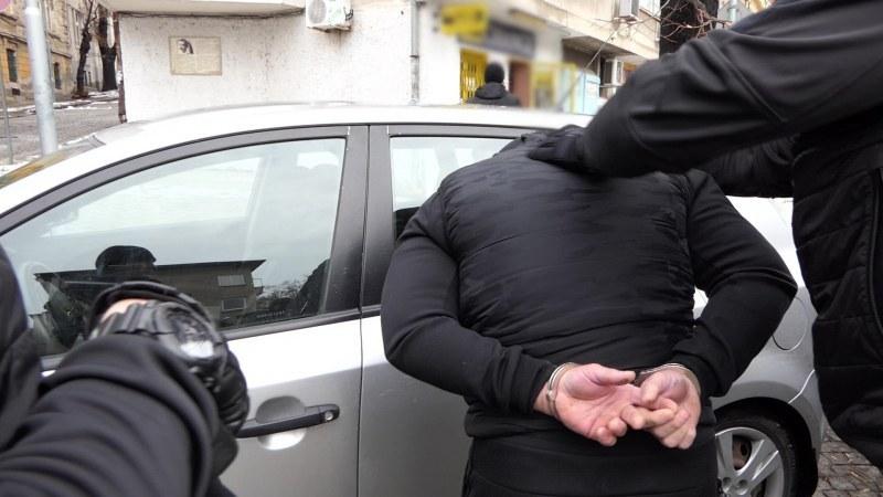 Арести в Карловско заради дрога и незаконно оръжие, стана и катастрофа