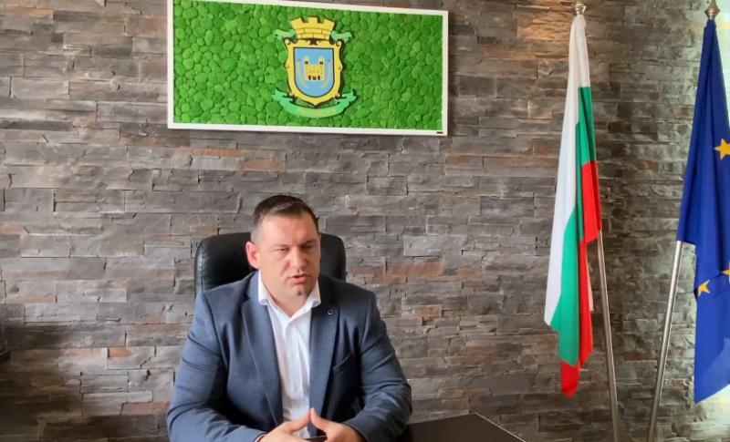 Кметът на Раковски за реформата в училищата и неприемането й от преподавателите