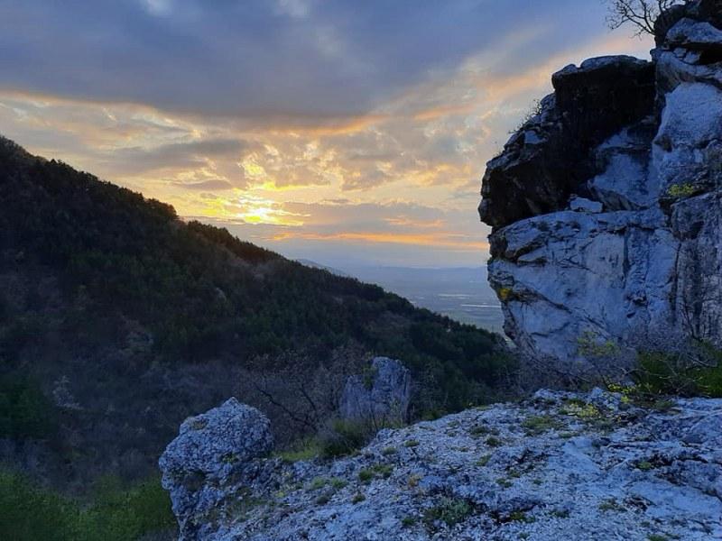 Идеи за уикенда: Забележителен водопад, пчелин и красив параклис само на 15 км от Пловдив