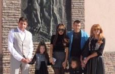 320 души от Стамболийски получиха агнешко за Великден от кмета и семейството му