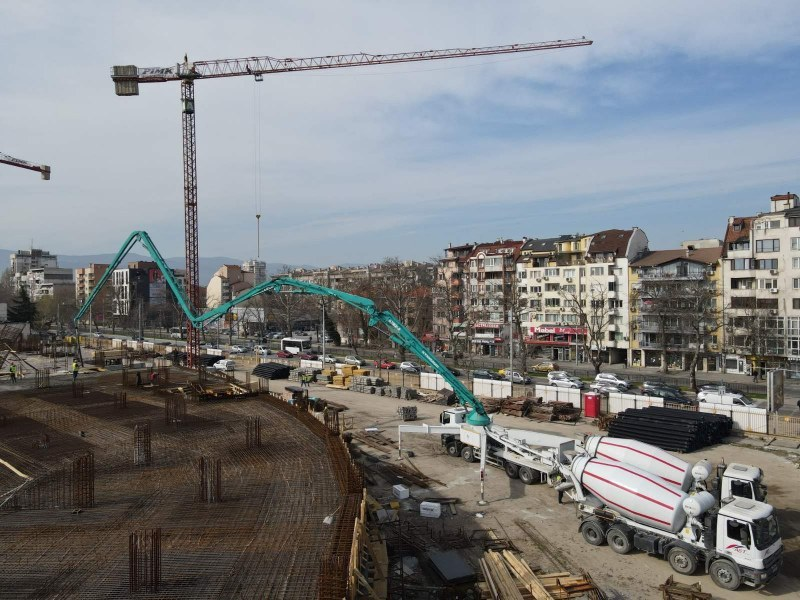 """Гражданският съвет пита Общината за строежа на стадион """"Христо Ботев"""""""