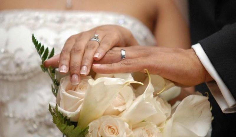 Отменя се е ограничението до 15 души на сватби и семейни събития