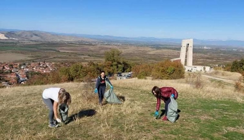 За тържествата в Перущица: Организират почистване край паметника, поканени са доброволци
