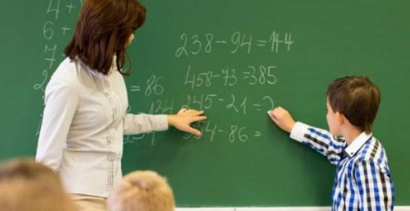 "Бюро ""Родопи"" търси учители, шофьори, монтажници, машинни оператори и др. работници"