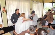 Подаръци за деца от община Съединение - екипи, топки и други спортни пособия