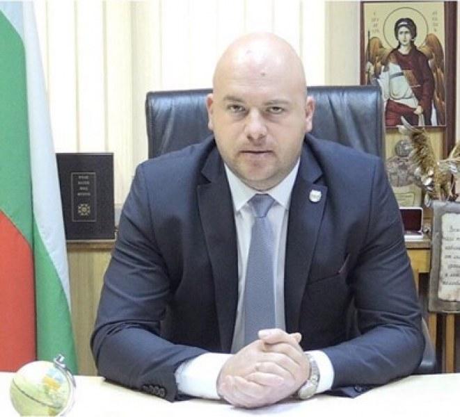 Кметът на Сопот бил в една от колите в катастрофата на Подбалканския път