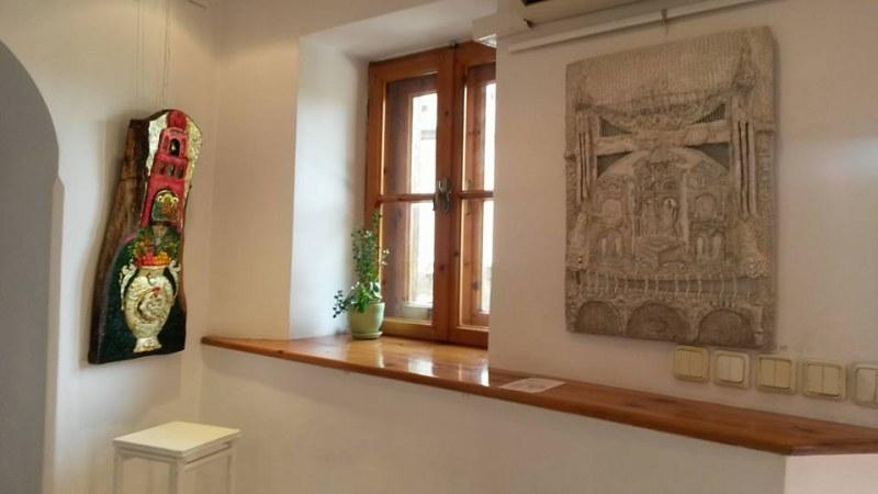 """Галерия """"Дяков"""" празнува 25 години с голяма изложба на носителите на Годишната награда на галерията"""