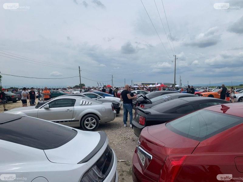 "Стотици американски автомобили окупираха писта ""Дракон"" в Калояново"