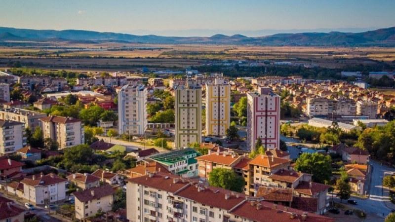 Търсят желаещи за преброители в Карловско за кампанията през септември