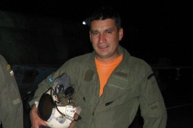 Колегите на изчезналия пилот се надяват той все още да е жив