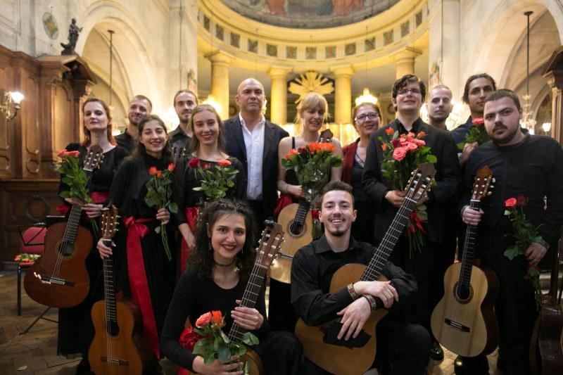 Пловдивски китари звучаха в парижка катедрала