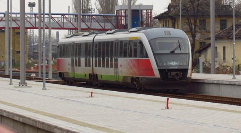Влакове Пловдив - Асеновград сменят разписанията си