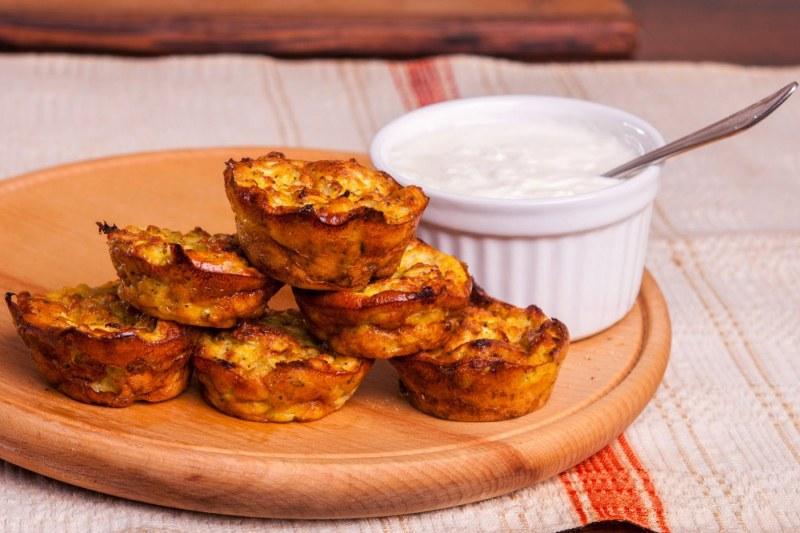 Яйчени мъфини с тиквички - лятна и здравословна рецепта