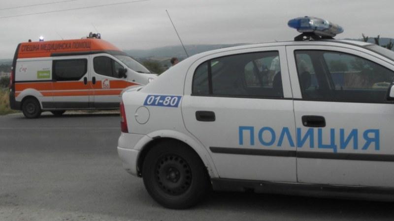 Катастрофа на пътя Пловдив-Карлово, кола е в канавката
