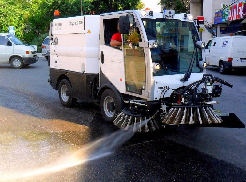 Мият улиците в Пловдив и тази седмица, работи се през нощта