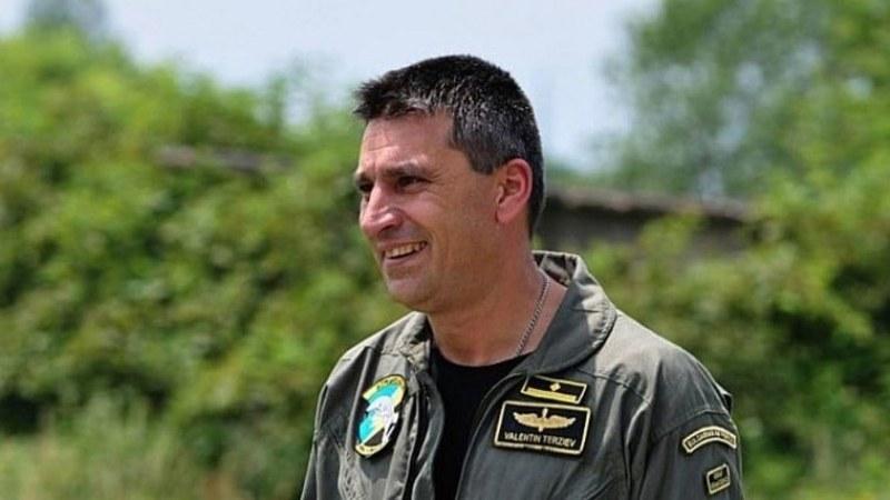 Изпращат с военна церемония майор Терзиев в последния му път