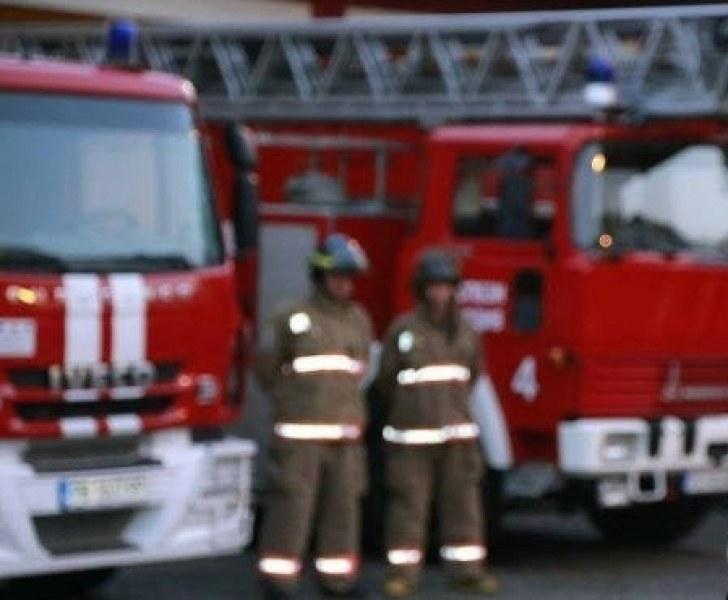 Десетки пожари в Пловдивско за денонощие - някои в Карлово, Асеновград, Раковски
