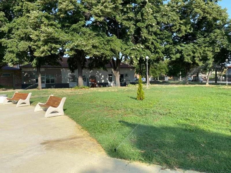 Всички паркове в Стамболийски с поливни системи, помогнало е и дарение