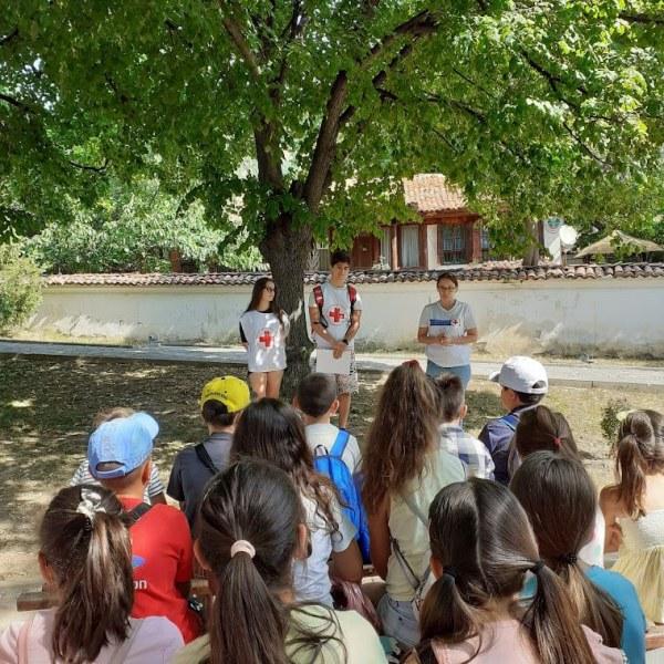 Забавното лято в Карлово продължава, децата научиха много днес