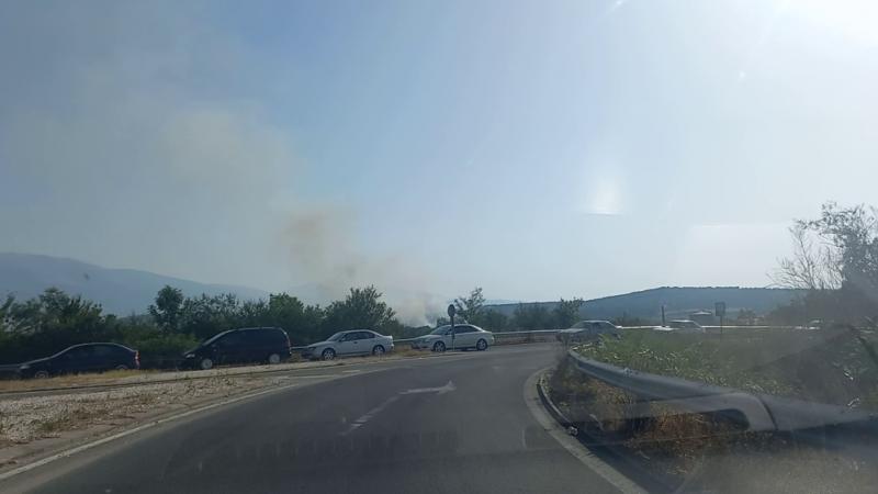 Пожар пламна отново в оранжериите в Баня