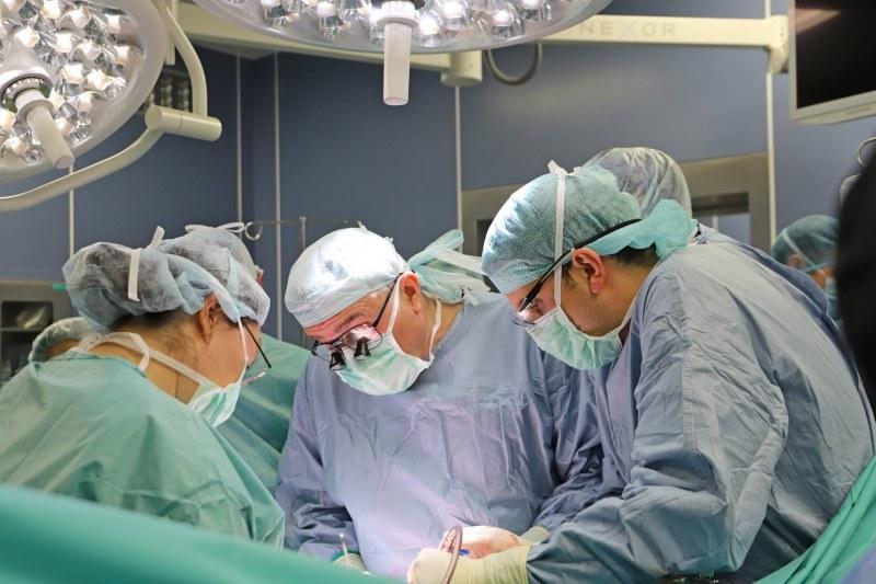 Момче в мозъчна смърт даде шанс за живот на петима болни