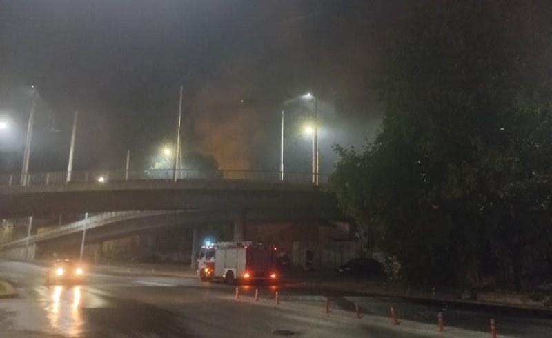 Среднощен пожар пламнал в центъра на Пловдив