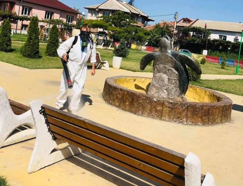 Дезинфекцираха обществените места в Стамболийски и селата