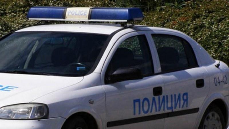 Издирват младеж от Раковски, нападнал семейство на пътя