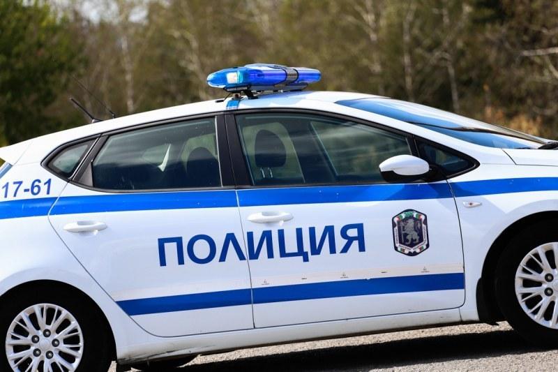 Установиха и задържаха крадеца, разбил и обрал кола в Скутаре