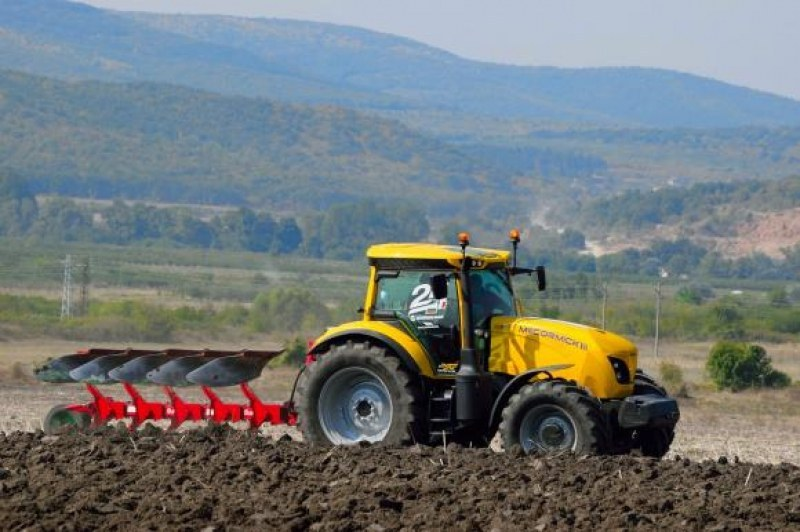 Насрочени са прегледите на земеделска и горска техника в Хисарско