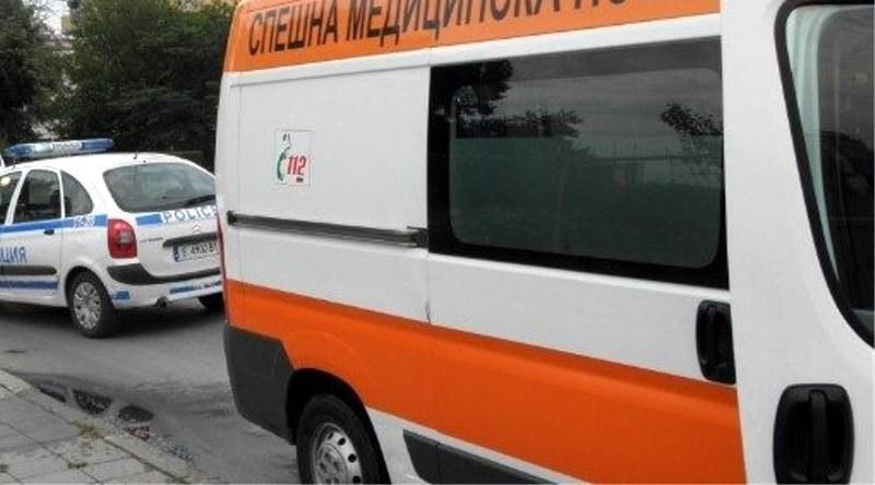 Камион се преобърна в реката край пътя Смолян - Асеновград