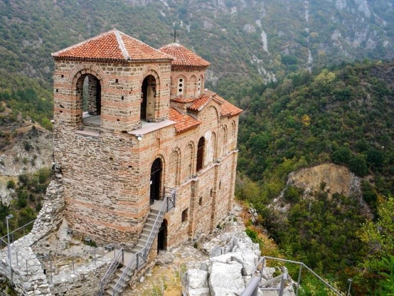 В Световния ден на ходенето - качваме се до Асеновата крепост и я разглеждаме безплатно