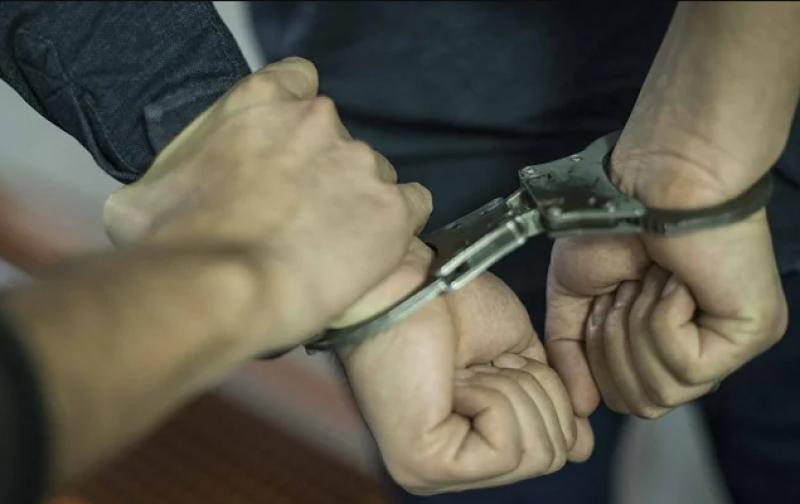 Закопчаха двама от Пловдив за грабеж, други в Асеновград - за побой