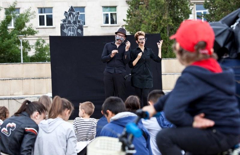 """""""Прахоляшка в черното кралство"""" - куклен театър за по-чист въздух показват в Пловдив"""