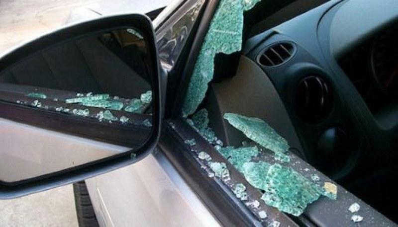 Установиха кой потроши и надраска чужда кола в Първомай, оказа се жена